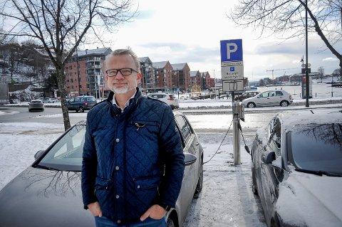 AVGJØRENDE: - Bompengepolitikken vært en avgjørende faktor for elbilveksten. Innføring av bompenger nå kan føre til at færre velger elbil i Telemark, sier leder Geir Elsebutangen i Vestfold og Telemark elbilforening.
