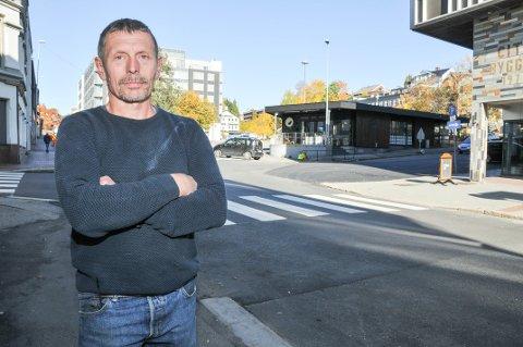 MOTOCROSS: Asbjørn Sletholt, som er leder for Flittig motocross og ATV, synes det er viktig å få fram at det er mange som kjører motocross i lovlige former på bane i Grenland.