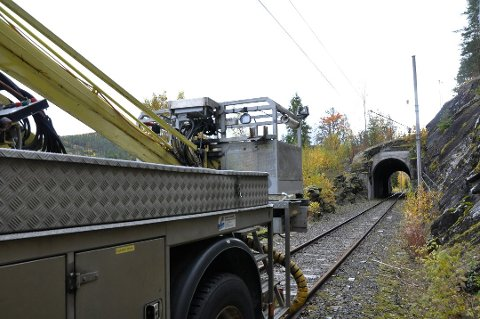 Mange rister oppgitt på hodet over arbeidet som utføres på Tinnosbanen i disse dager.