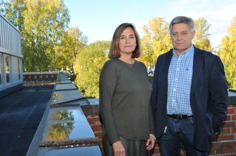 BLE VARSLET: Ledelsen i oppvekstavdelingen i Skien kommune er varslet om hendelsen ved skolen. Her  kommunalsjef Grete Gjelten og fagsjef Tore Andersen.