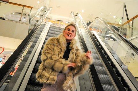 NY JOBB: Bloggeren Elisabeth Halbjørhus er blitt ansatt av Arkaden kjøpesenter og skal jobbe som en del av deres markedsteam i ett år.