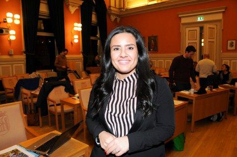 MER FLEKSIBELT: - Dette forslaget er ikke så dramatisk, men sier at dersom det er mulig, sa Marjan Farahmand (H). Forslaget fikk 22 stemmer og ble dermed nedstemt. FOTO: VIGDIS HELLA