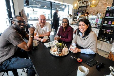 SAMLES FOR Å SAMARBEIDE: Frankeh Colley, Eml Sølyst, Sandrina Sandell og  Peri-Ilka Tincman har gått sammen og dannet Sosent Nettverk Grenland (SNG) for å hjelpe folk med å tilpasse seg samfunnet.