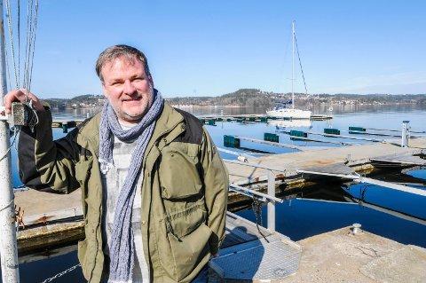 NYTT TURFENOMEN FOR BÅTFOLK: Knut Helmundsen og Brevik Seilforening drar i gang en slags Titopper'n for båtfolk. - 20 uthavner skal besøkes fra mai til oktober.