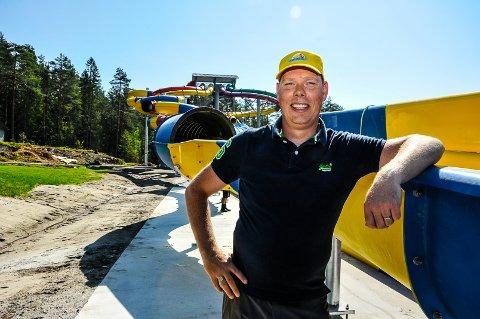 GleDER SEG: Direktør Rene Langeveld Sas gleder seg til å prøve den nye sklia (til venstre).