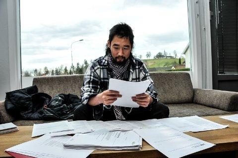 SYKEHUSHISTORIE: Gåra kan se tilbake på haugevis av papirer etter sykehusopphold i Oslo, Skien og Notodden.