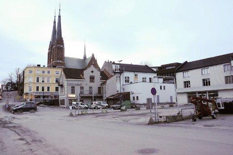 PARKERING: En parkeringskjeller under sykehjemmet i Kverndalen med 30 plasser vil koste 22 millioner kr. Formannskapet skal behandle saken tirsdag.