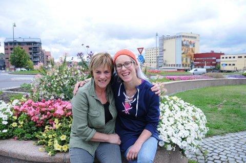 UTE AV DET: Mor og datter, Tove og Gro Sakstad fra Lillestrøm, er glade for at de nå slipper å forholde seg til rusmisbruk og redsel for overdoser.