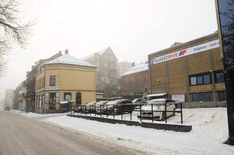 LEILIGHETSBYGG: Glassmestergården AS planlegger et leilighetsbygg i to enheter ut mot Nedre Hjellegate og et i tre enheter mot Øvre Hjellegata med 22-24 leiligheter.