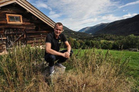 FRUSTRERT: Sven Tore Løkslid (AP) mener det sender uheldige signaler at fellesnemnda for nye Vestfold og Telemark fylkeskommune, valgte å utsette høringsuttalelsen angående den nye Vestfoldbanen. Foto: Kai Andersen