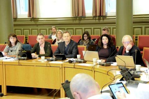 FANT PENGER: Det politiske flertallet i Skien fant fram pengene, Rolf Erling Andersen (t.h.) ledet an.