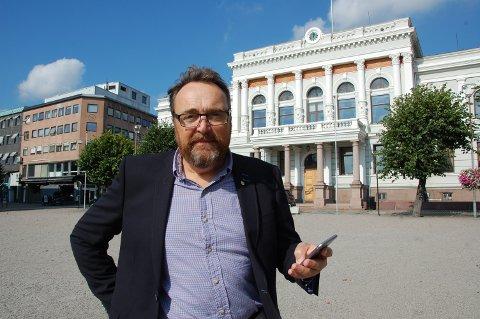 """NAVNEPRESS: Forandringer i loven gjør at rådmann-tittelen er under press. Rådmannen i Skien, Ole Magnus Stensrud, frykter ikke et skifte til """"kommunedirektør"""": - Bystyret bestemmer."""
