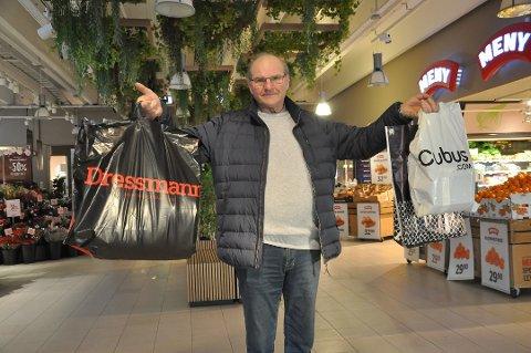 Mest til seg selv: Arnfinn Kolbjørnsrud fikk unnagjort handlingen fredag formiddag, men det var ikke julegaver det gikk i. Arfinn hamstret inn nye klær til seg selv og kona.