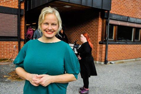 """PÅ """"FARMEN"""": Katrine Hiis bor i Skien, er fra Kragerø og jobber i Seljord. Onsdag 20. november var hun å se i """"Farmen"""", der hun malte på direkten."""