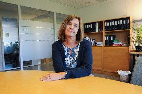 VARSLER KUTT: Kommunalsjef for oppvekst, Grete Gjelten, varsler kutt i ikke-lovpålagte tjenester på grunn av 13 millioner kr i merforbruk så langt i år.