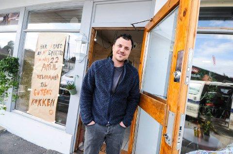 NYE KREFTER: Hassan Hadi Abed Abed åpner den tidligere Borgestadgrillen førstkommende mandag. Stedet har fått navnet Å guttens kjøkken.