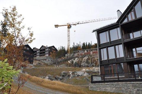 GAUSTA: To nye bygg skal reises i Gaustatoppen Lodge. Det har utbygger og hovedentreprenørene blitt enig om. Byggestart vil være våren 2020. Kontraktens verdi er på cirka 85 millioner kroner. (arkivbilde høsten 2018)