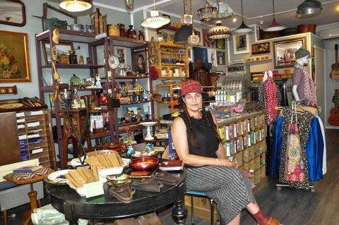 NYÅPNET: Juggel og Juveler har fått en god start etter at butikken åpnet 14.juli. Foto: Unni Buverud