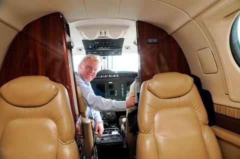 STÅR PÅ BAKKEN: Jarle Granheim og Airwing flyr for tiden ikke sine daglige avganger mellom Notodden og Bergen.
