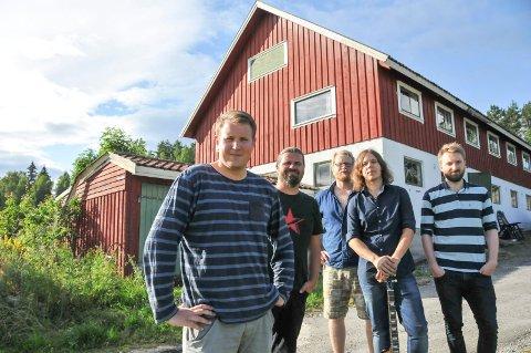 REISER SEG: The Lone Pine anno sommeren 2015: Even Skårberg Aarnes (til venstre), Bjørn Thore Andreassen, Magnus Fossli Lillefjære, Martin Solvoll og Mats Bjønnes.