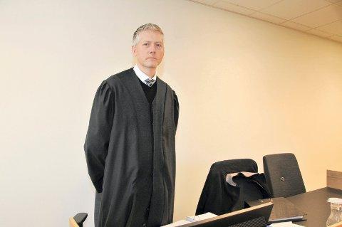 – VELDIG GLADE: Prosessfullmektig for søskenparet, advokat Bjørn Dyrland, sier at klientene hans er veldig glade for at de er ferdige med saken.
