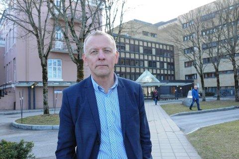 I KARANTENE: Sykehusdirektør Tom Helge Rønning er satt i karantene.