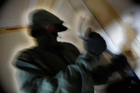 INNBRUDD: Flere hytteeiere oppdaget innbrudd og ringte politiet, men der hadde de allerede kommet dem i forkjøpet og sikret mye tyvegods.