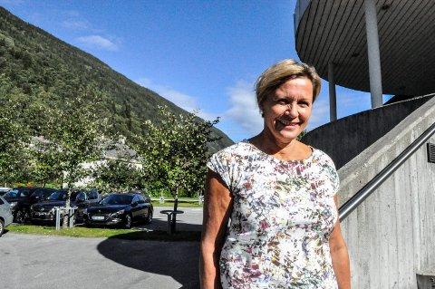 REKTOR: Fra NAV til skole. Britt Houge er ansatt som ny rektor på Rjukan videregående skole.