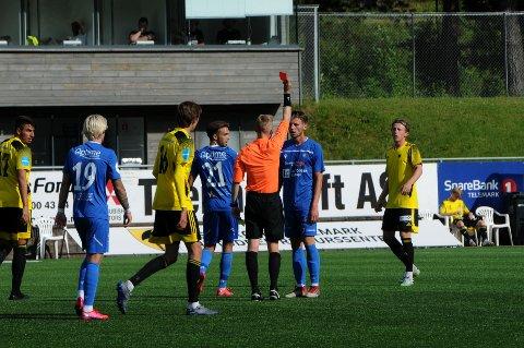 UTVIST: Even Parkstad Johansen ble utvist etter to gule kort.