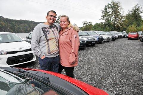 BLE LURT: Ekteparet Eyub og Anja Özyürek driver Telemark Bilutsalg AS i Bamble.