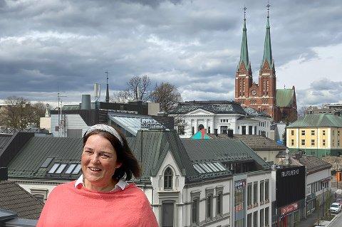 I 125 år har Nyblin-familien dokumentert Skien og Telemark. Nå er det Vibeke Nyblin som forvalter den stolte arven.