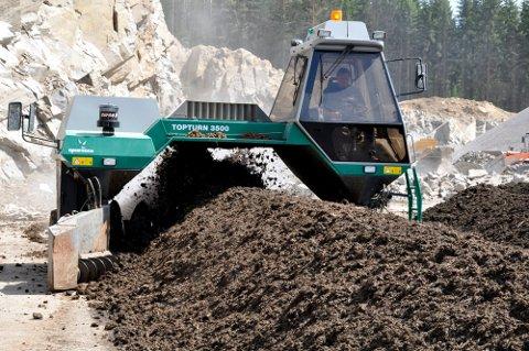 SLUTT PÅ DRITTLUKT: Fra 1. januar 2022 skal man slutte å produsere avløpsslam på Goasholtmyra miljøanlegg og heller sende slammet til Sverige.