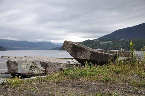 Heddalsvatnet: Seilbåten ble sett drivende utenfor Landsverk gård, og tauet inn til kvartsbruddet på Vestsida. (Illustrasjonsfoto)