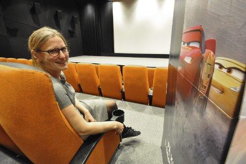 Bursdag: Kinosjef Hilde Hem gleder seg til å feire Notodden kinos 105-årsdag lørdag. – 100-årsdagen druknet litt i byggeperioden her nede, så vi tar feiringen nå i stedet og har åtte fine filmer på programmet, deriblant «Biler 3» samt bursdagskake, popcorn og publikumspremier.