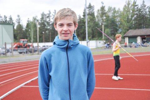 Sondre Mork Kasin fra Snøgg friidrett er blant de mest spretne 16-åringene i landet.