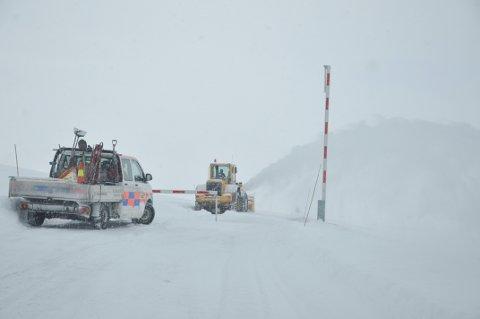 NCC startet å brøyte Imingfjellvegen tidlig mandag morgen