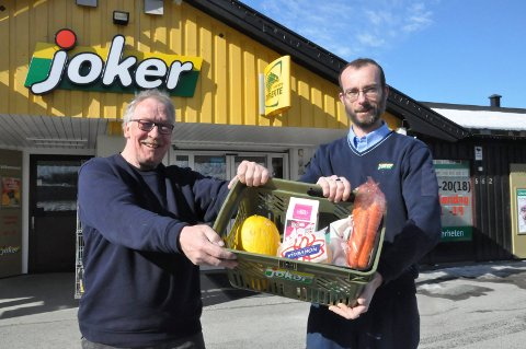 Netthandel: Snart kan Thorleif Høgstad og assisterende butikksjef Vincent't Hart tilby netthandet fra Joker på Nordagutu.