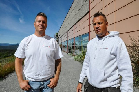 2015: Her er Kjell Olav Fosse og Hans Erik Børjesson rett etter at de hadde tatt i bruk lokalene på Bolkesjø i 2015. (Foto: Håkon Rusten)