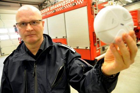 VIKTIG: Jhonny Brenna forteller at røykvarsleren reddet de som bodde i huset.