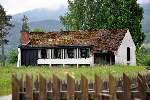 HEDDAL: Soknerådet ønsker å rive det gamle menighetshuset, men ber også om at det blir mulig å sette opp et nytt bygg på eiendommen.