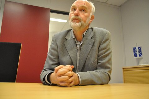 BLE SPARKET: Ikke alle politikere og innbyggere i Notodden fikk vite hvorfor rådmann Svein Aannestad ble sparket. I en tilsvaende sak i Hedmark mente Fylkesmannen at hele kommunestyret skal informeres.
