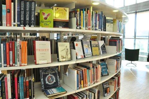BIBLIOTEKET: Administrasjonen har undersøkt hvor mye det vil koste for å få meråpent bibliotek på Notodden. Det legges frem for politikerne i forbindelse med budsjettet.