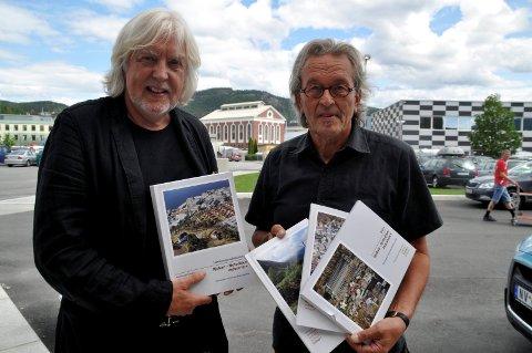 DOKUMENTET: Øystein Haugan og tidligere verednsarvkoordinatir i Notodden, Bjørn Frode Moen, gledet seg over søknaden som skulle vise seg å få et rungende JA fra UNESCO. Moen er en av de mange gratulantene i dag.