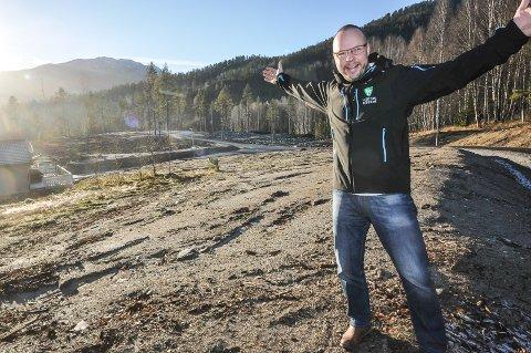 VIL VÆRE MED: Bengt Halvard Odden vil at Hjaretdal skal være med i kampen om å være det beste stedet å bo. (bildet er tatt på et nytt byggefelt i Sauland i 2015)