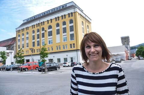TREKKER I TRÅDENE: Tone Marit Tesdal i NUAS leder hovedprosjektet i profesjonaliseringen av Opplev Notodden.