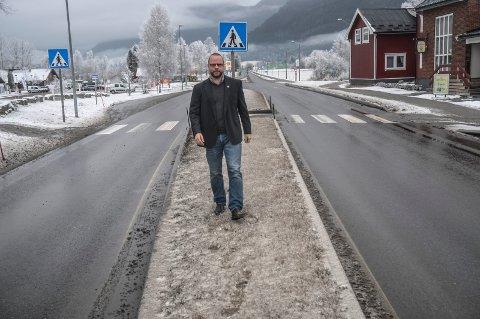 SENTRUMSPLAN: Hjartdal kommune og ordfører Bengt Halvard Odden skal legge en sentrumsplan for hvordan ledige arealer kan benyttes og om de kan brukes til flere leiligheter som kan imøtekomme et delvis kartlagt behov for flere enheter.