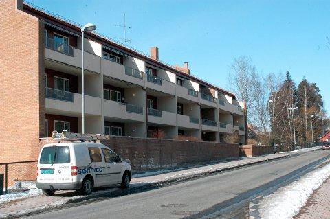 BORETTSLAG: Dette er Solhaug Borettslag, Storgata 86. Mange av leilighetene her byttet eier i oktober.
