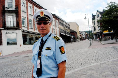 TREFFER TILTAK: - Om dette gjentar seg, vil vi treffe tiltak for å forebygge smitte og sikre at beboere i sentrum ikke plages med støy, sier stasjonssjef Helge Folserås. (ARKIVFOTO)