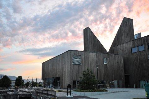 JOBB: Notodden kommune har fått 29 søkere til stillingen som kulturkonsulent i Bok og Blueshuset. Ingen er foreløpig innkalt til intervju, og kommunen regner med ansettelse i midten av juni.