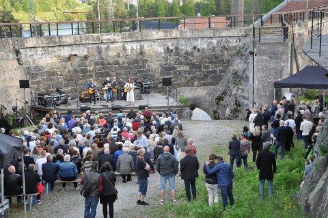 I MYHRENS DAM: Myhrens Dam under 30-årsjubileumsfestivalen i 2017, da også Notodden Road Show tok scenen.